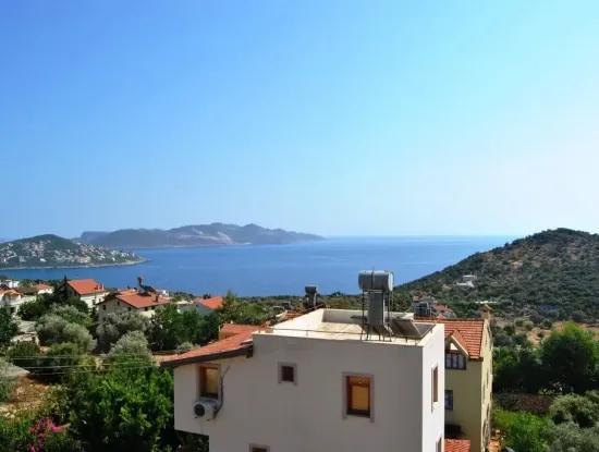Antalya Kaş Gökçeörende Satılık Deniz Manzaralı Müstakil 2 Katlı Ev